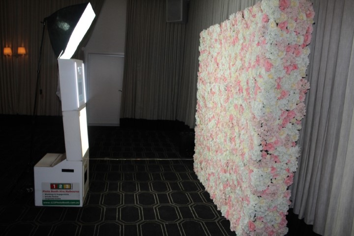 Open or enclosed photo booth hire