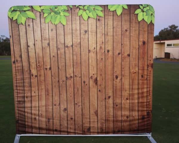 photo booth hire wooden wall backdrop