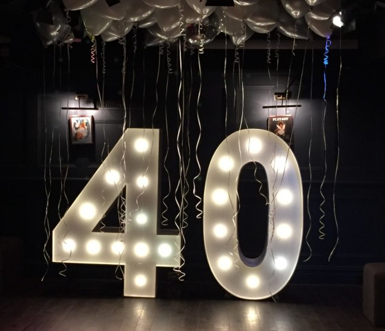 light-up-40-number-birthday-party-hire
